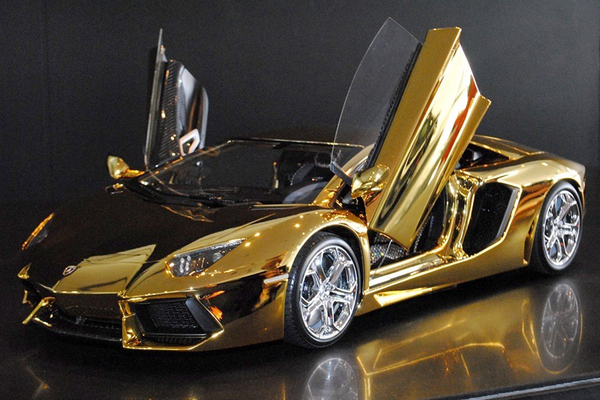 Golden Cars: LIke Gold? What About GOLDEN CARS? Enjoy These RICH BOY's