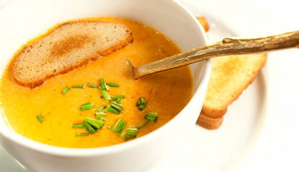 CREAM SOUP WITH CORN AND CARROTS