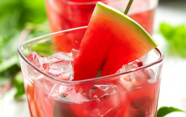 http://www.joanasrecipes.com/wp-content/uploads/2014/09/Summer-Non-Alchoholic-Watermelon-COCKTAIL.jpg