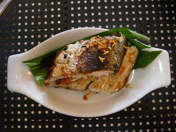 Grilled Milkfish Stuffed With Tomato, Onion And Lemon Grass