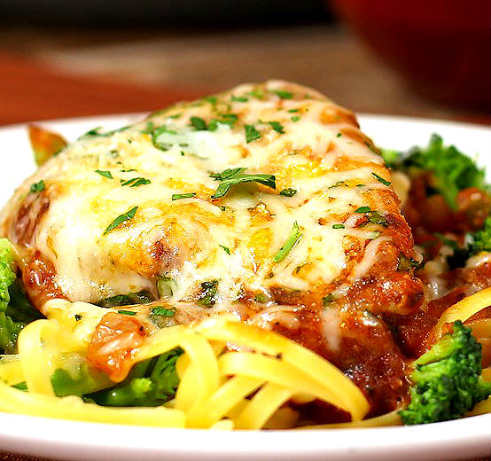 chicken-with-pasta-and-broccoli