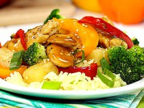 pineapple-chicken-skillet_with-broccoli