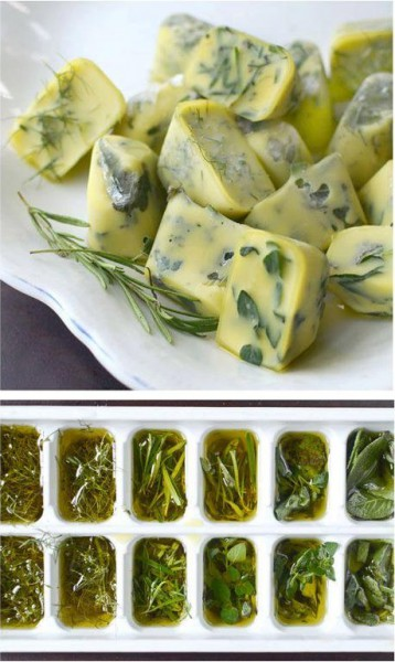 preserve herbs with ice cube tray and olive oil
